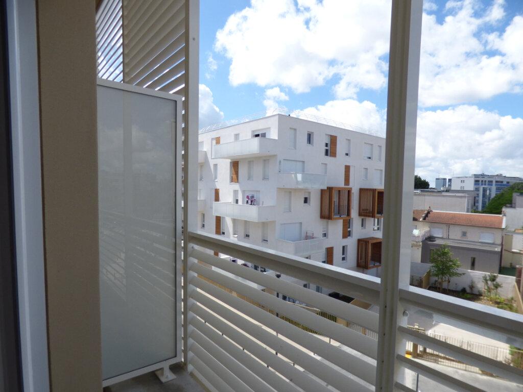 Appartement à louer 2 45m2 à Romainville vignette-5