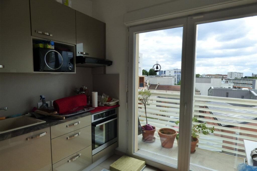 Appartement à louer 2 45m2 à Romainville vignette-6