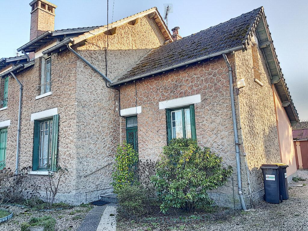 Maison à vendre 5 96m2 à Lamotte-Beuvron vignette-1