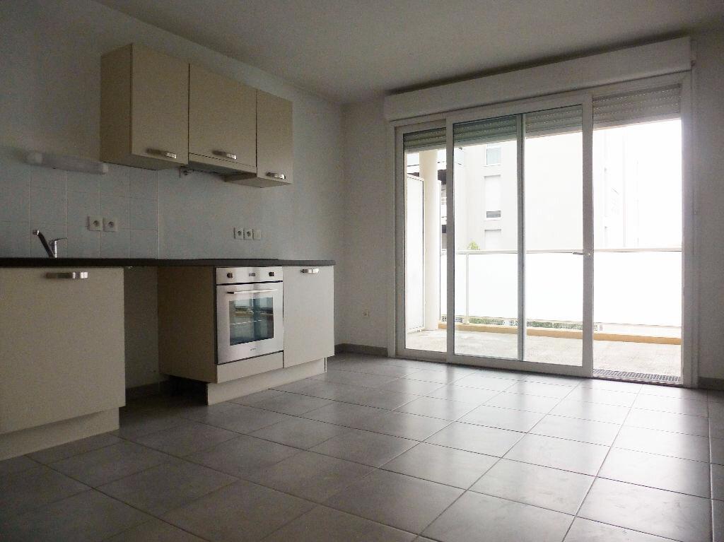 Appartement à louer 4 76m2 à Perpignan vignette-2