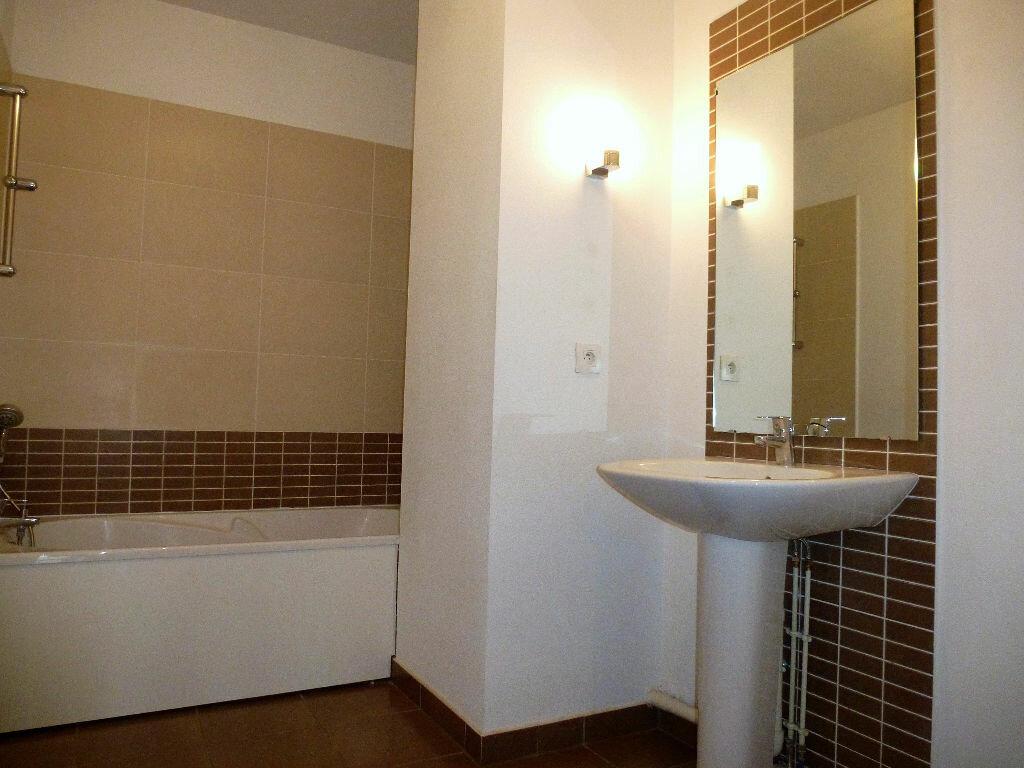 Appartement à louer 4 76m2 à Perpignan vignette-3