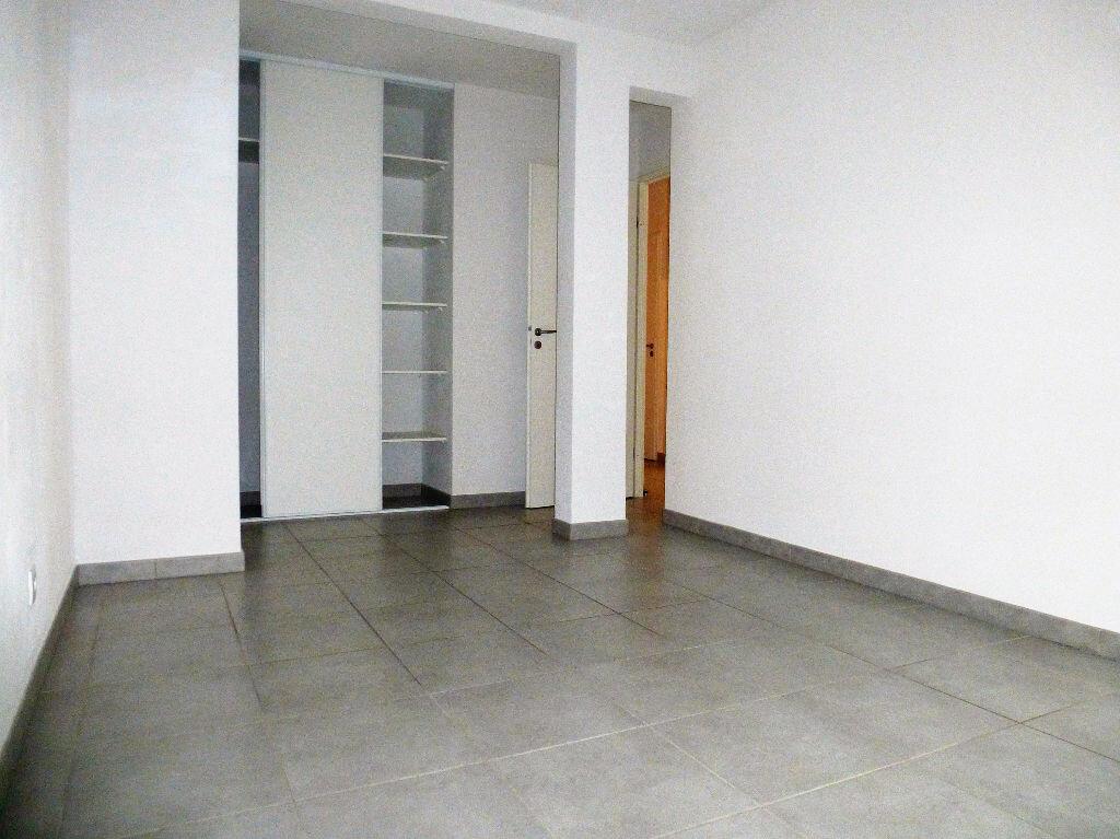 Appartement à louer 4 76m2 à Perpignan vignette-4