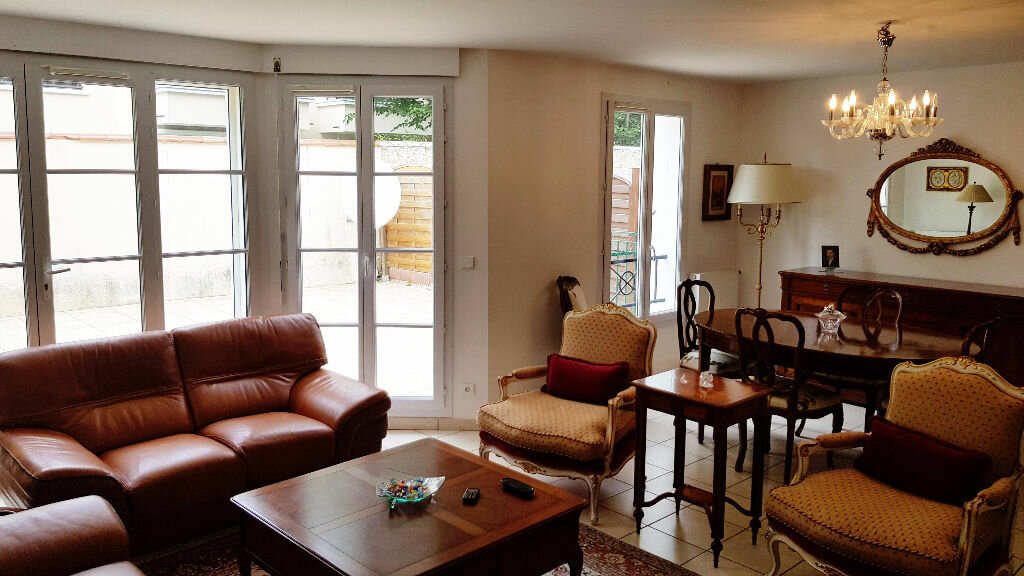 Maison à vendre 8 141.45m2 à Saint-Gratien vignette-1