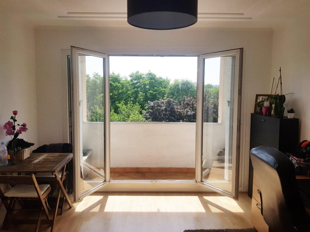 Appartement à vendre 3 62m2 à Saint-Gratien vignette-4
