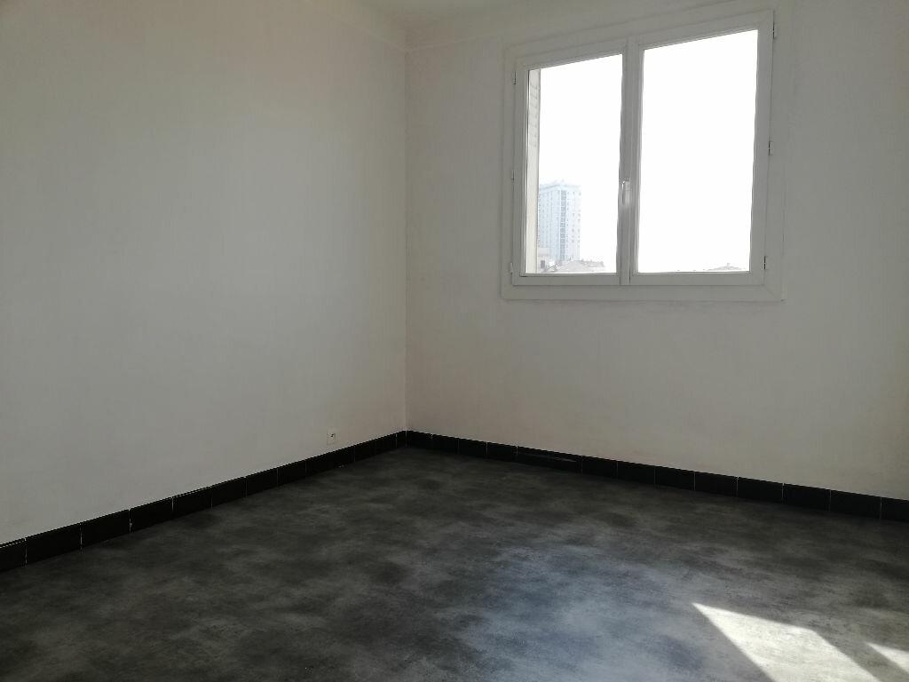 Appartement à louer 3 64m2 à Toulon vignette-6