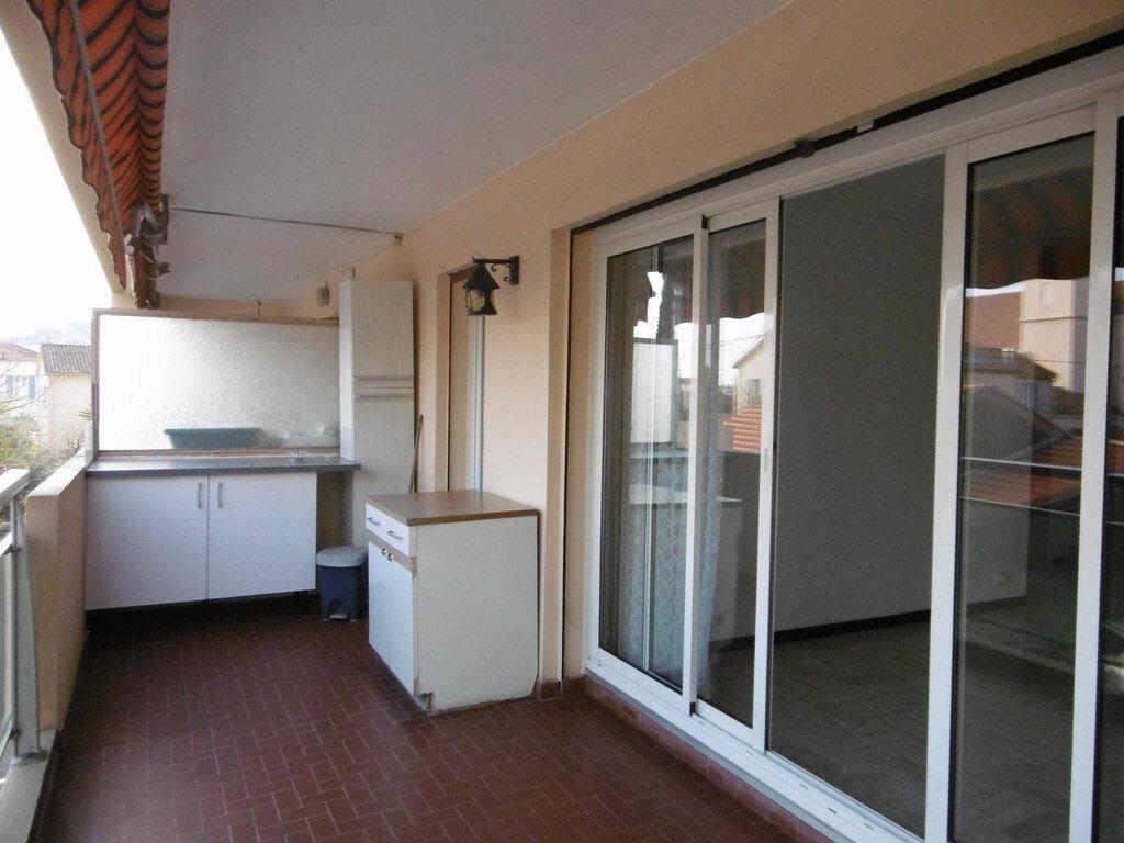 Appartement à louer 2 49.4m2 à Toulon vignette-4