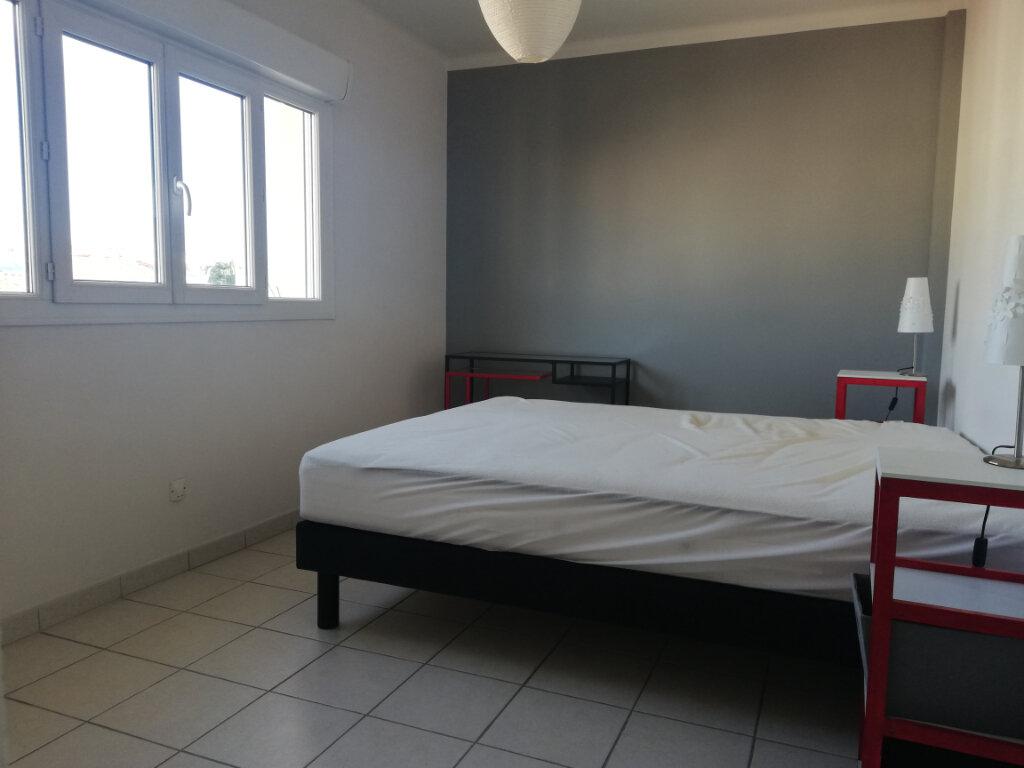 Appartement à louer 3 60.28m2 à Toulon vignette-4