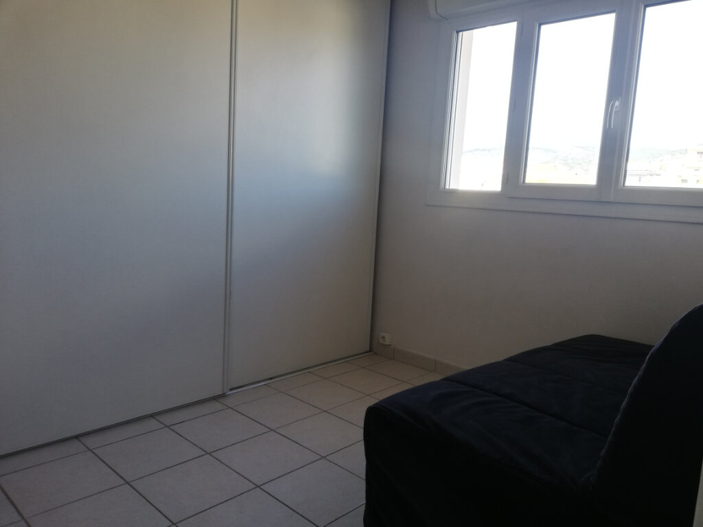 Appartement à louer 3 60.28m2 à Toulon vignette-5