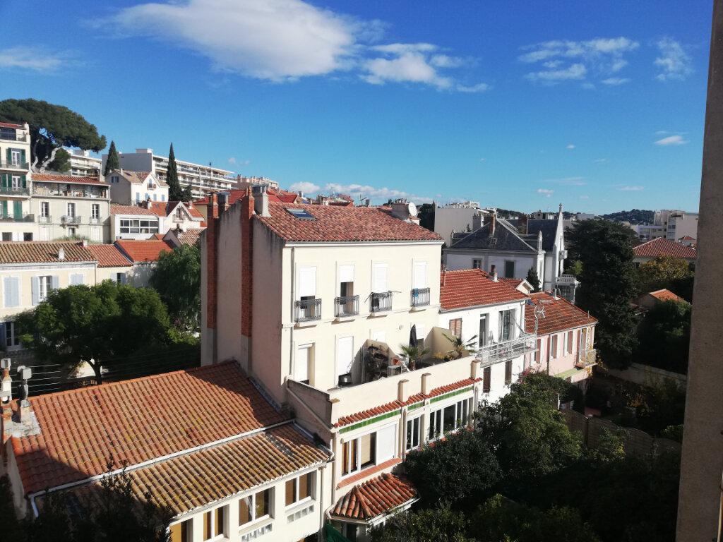 Appartement à louer 3 60.28m2 à Toulon vignette-6