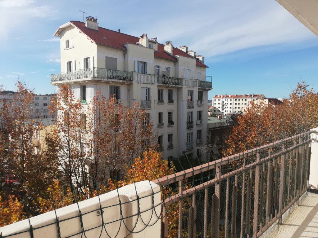Appartement à louer 3 60.28m2 à Toulon vignette-7
