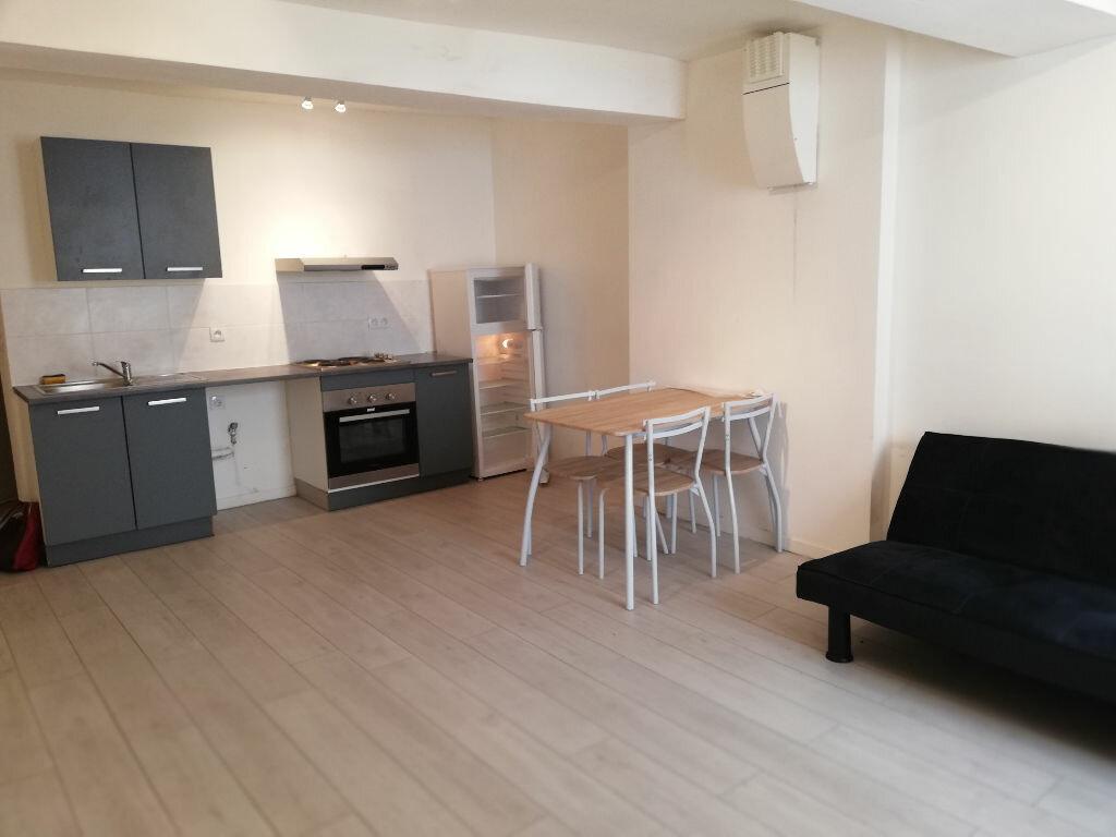 Appartement à louer 2 42m2 à Toulon vignette-1