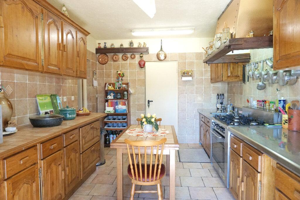 Maison à vendre 8 160m2 à Lyons-la-Forêt vignette-3