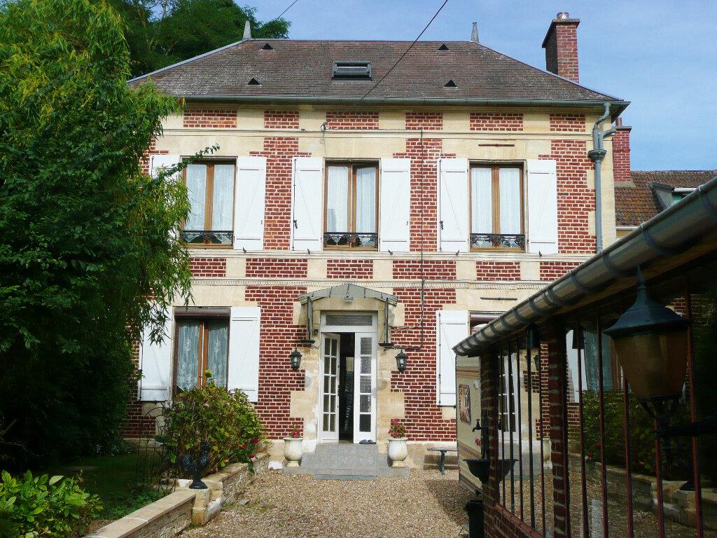 Maison à vendre 7 158m2 à Sainte-Geneviève vignette-1