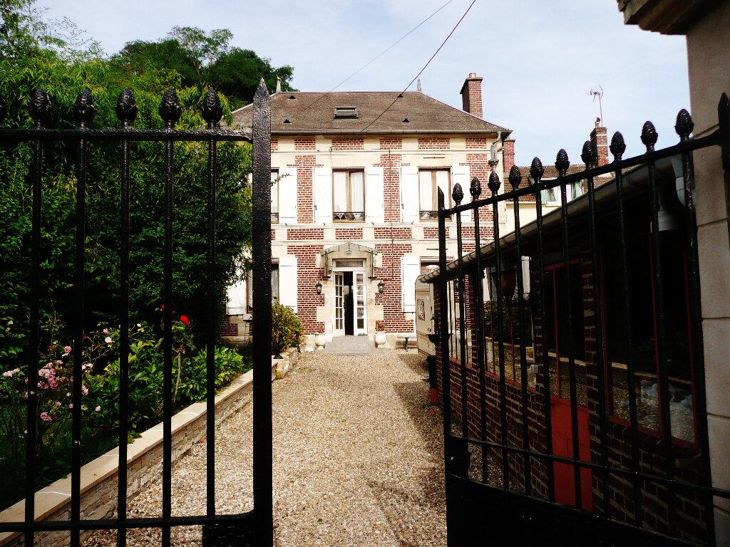 Maison à vendre 7 158m2 à Sainte-Geneviève vignette-5