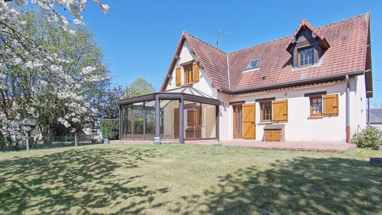 Maison à vendre 8 137.71m2 à Gisors vignette-1