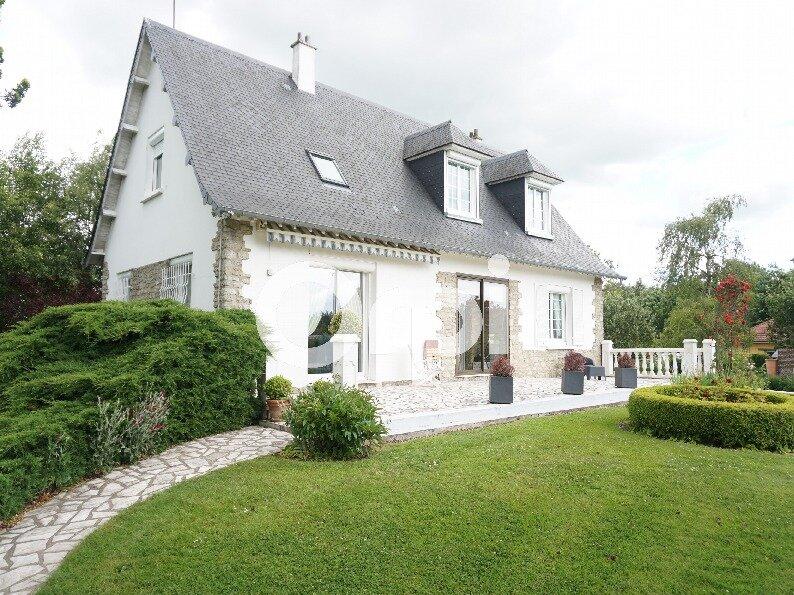 Maison à vendre 7 138m2 à Gournay-en-Bray vignette-1