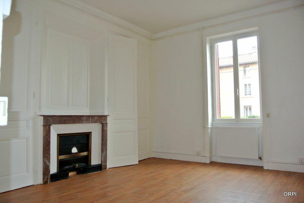 Appartement à louer 2 45.73m2 à Villefranche-sur-Saône vignette-1