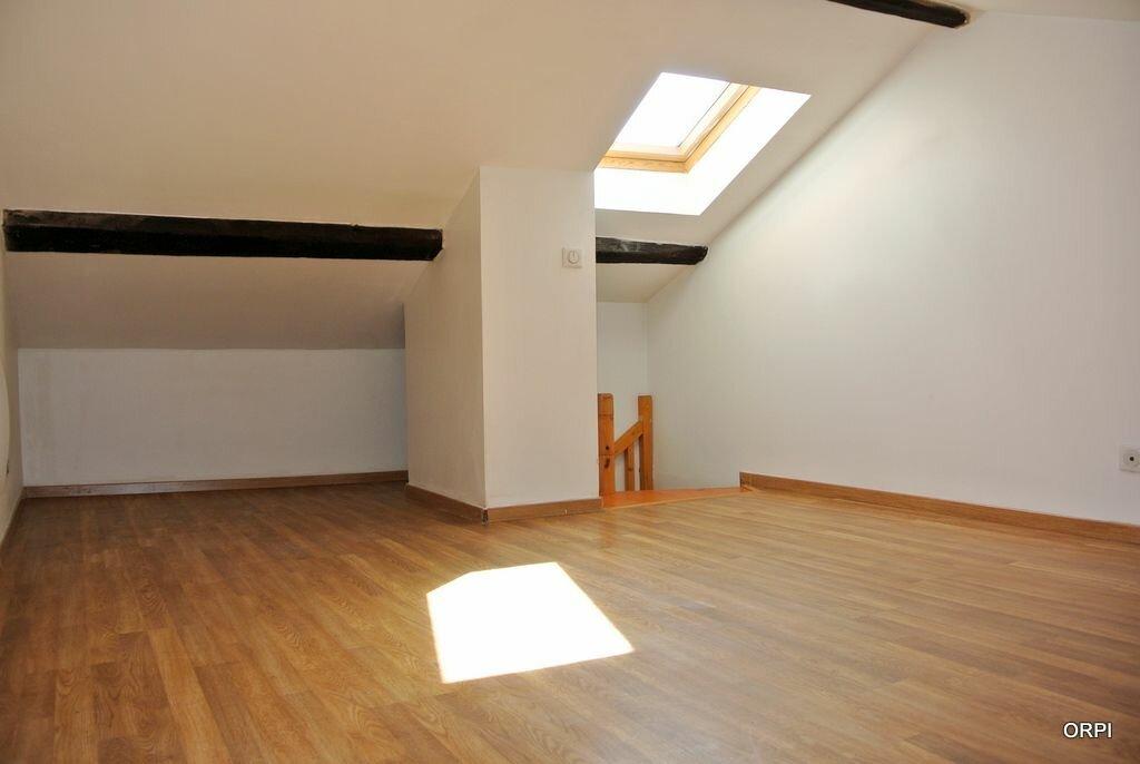 Appartement à louer 3 53.34m2 à Saint-Georges-de-Reneins vignette-1