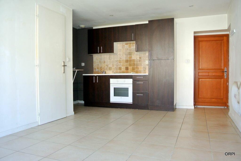 Appartement à louer 3 53.34m2 à Saint-Georges-de-Reneins vignette-2