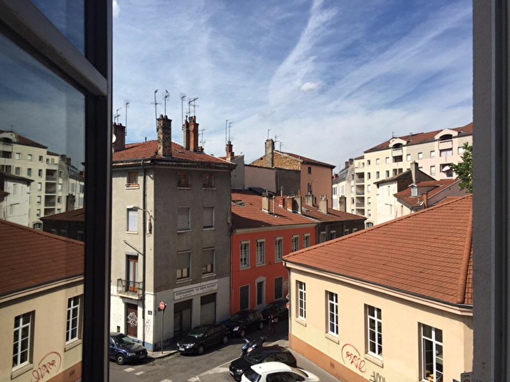 Appartement à louer 1 17.58m2 à Lyon 9 vignette-2
