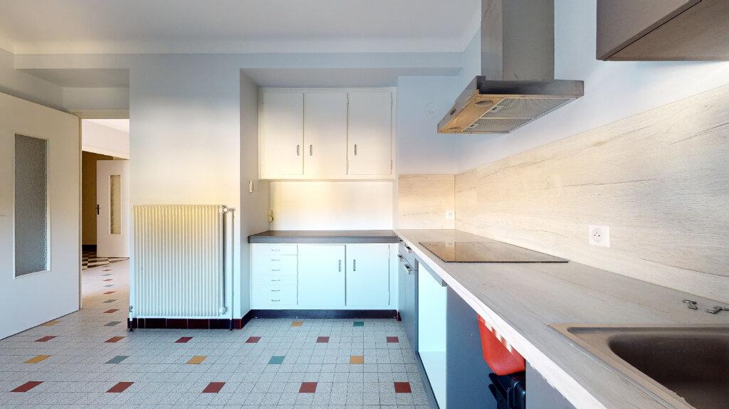 Maison à louer 5 186.76m2 à Villefranche-sur-Saône vignette-9