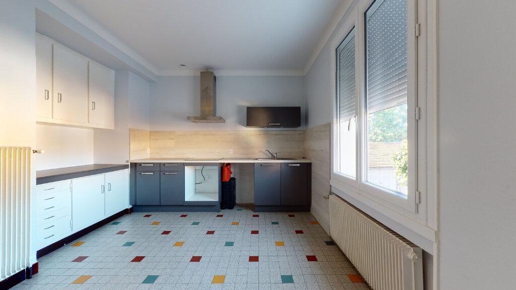 Maison à louer 5 186.76m2 à Villefranche-sur-Saône vignette-10