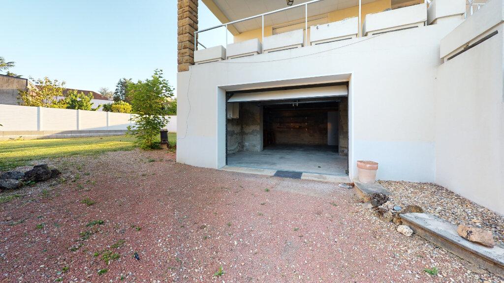 Maison à louer 5 186.76m2 à Villefranche-sur-Saône vignette-11