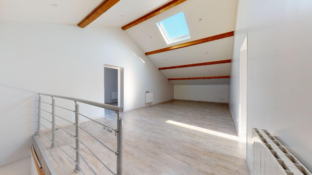 Maison à louer 5 186.76m2 à Villefranche-sur-Saône vignette-12