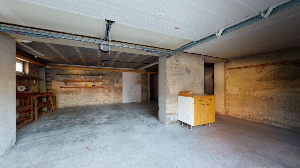 Maison à louer 5 186.76m2 à Villefranche-sur-Saône vignette-13