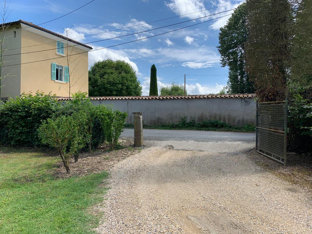 Appartement à louer 2 52.53m2 à Saint-Didier-sur-Chalaronne vignette-3