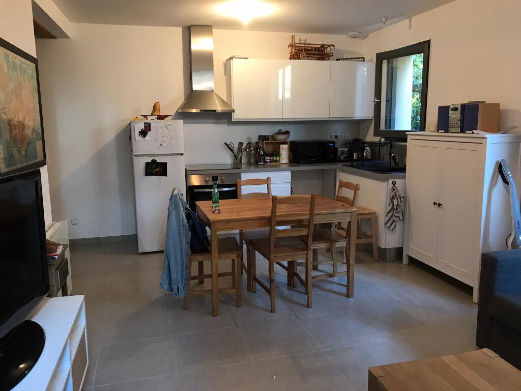 Appartement à louer 3 73.49m2 à Neuville-sur-Saône vignette-4