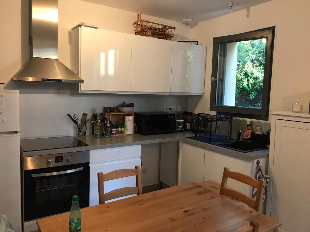 Appartement à louer 3 73.49m2 à Neuville-sur-Saône vignette-5