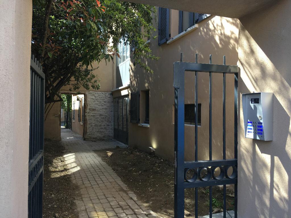 Appartement à louer 3 73.49m2 à Neuville-sur-Saône vignette-10