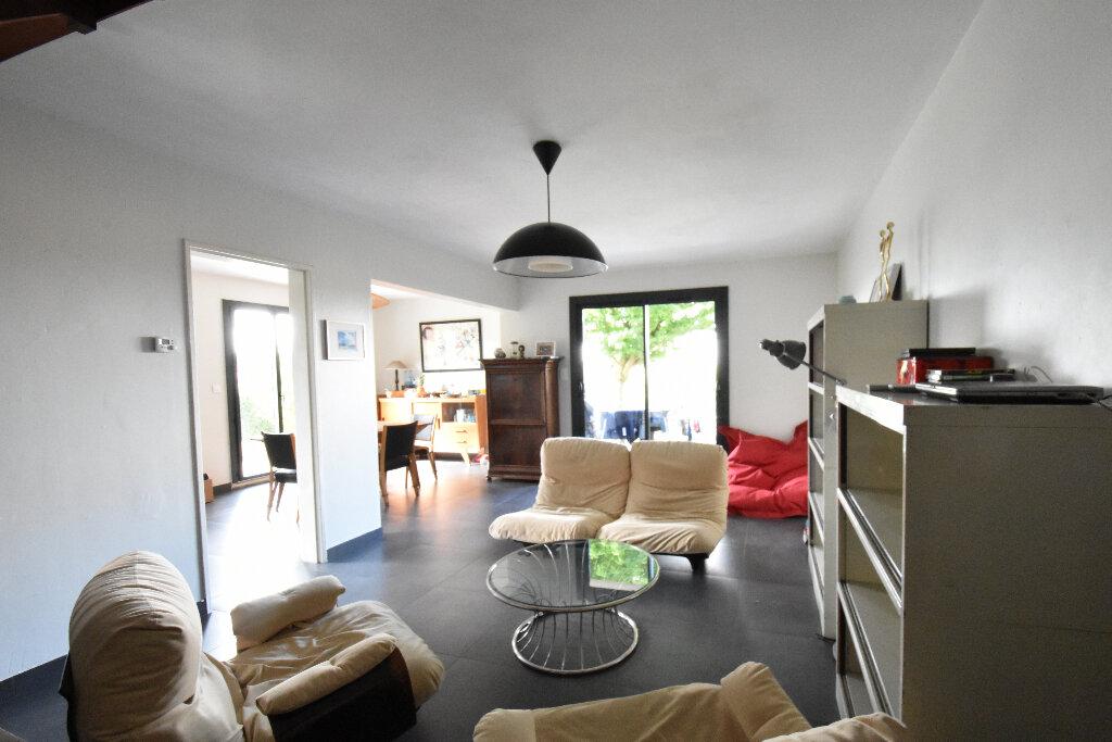 Maison à louer 5 107m2 à Jassans-Riottier vignette-2