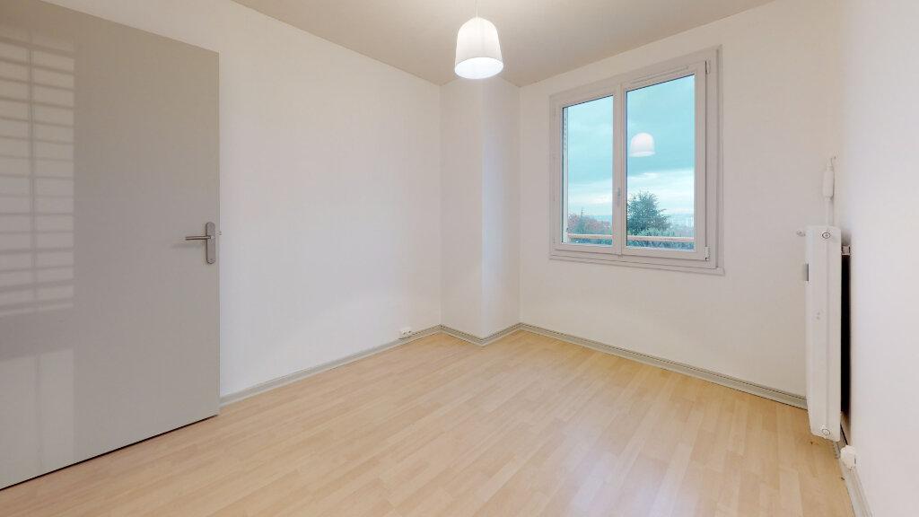 Appartement à louer 4 63m2 à Villefranche-sur-Saône vignette-6