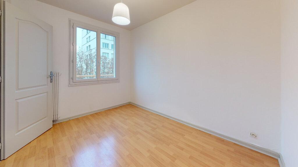 Appartement à louer 4 63m2 à Villefranche-sur-Saône vignette-7