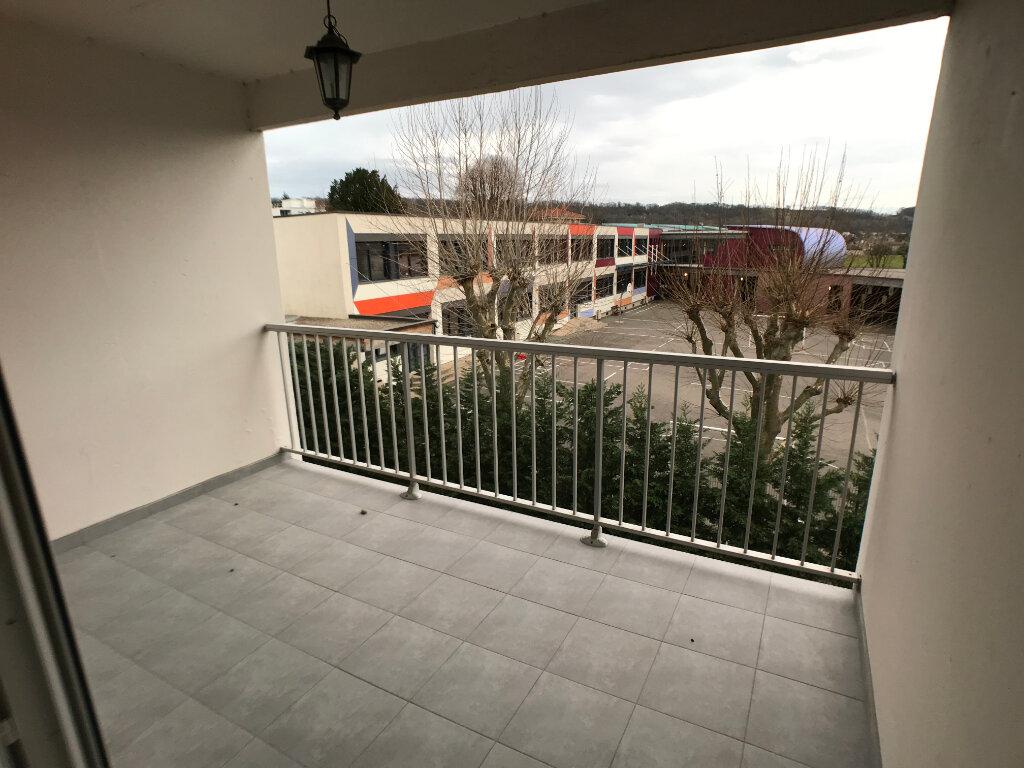 Appartement à louer 3 69.93m2 à Villefranche-sur-Saône vignette-1