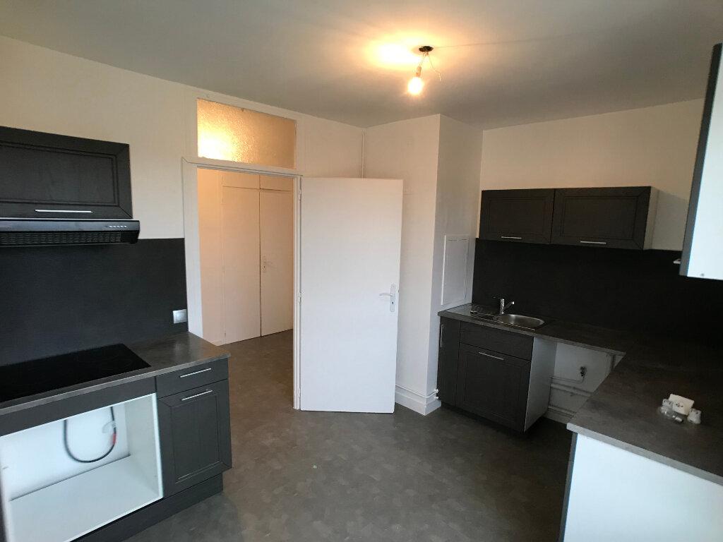 Appartement à louer 3 69.93m2 à Villefranche-sur-Saône vignette-4