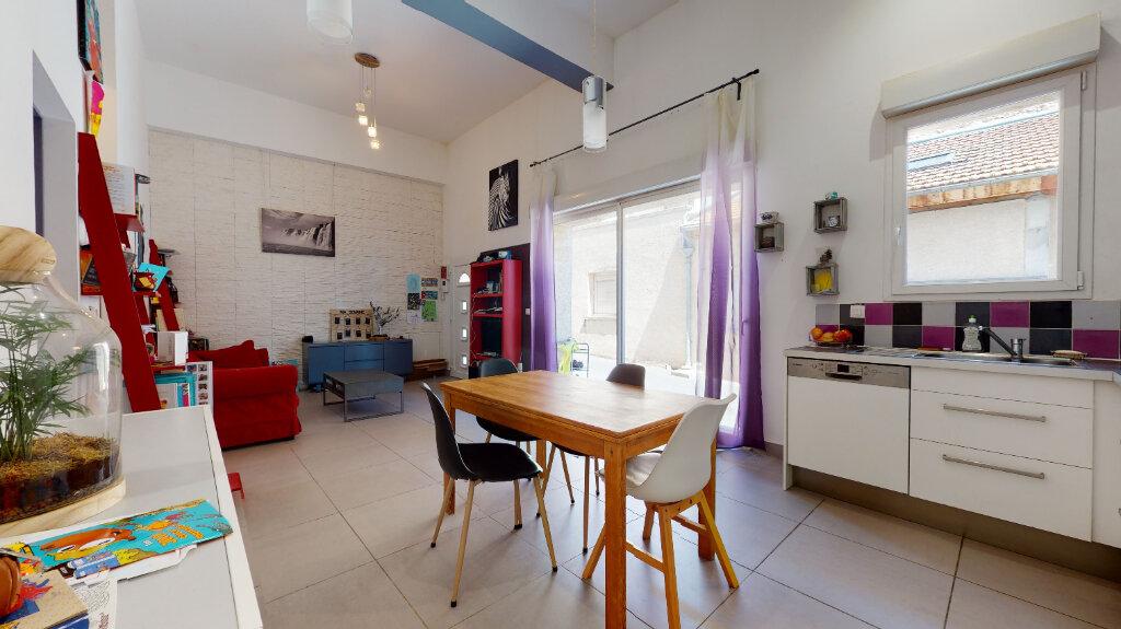 Appartement à vendre 4 87m2 à Villefranche-sur-Saône vignette-2