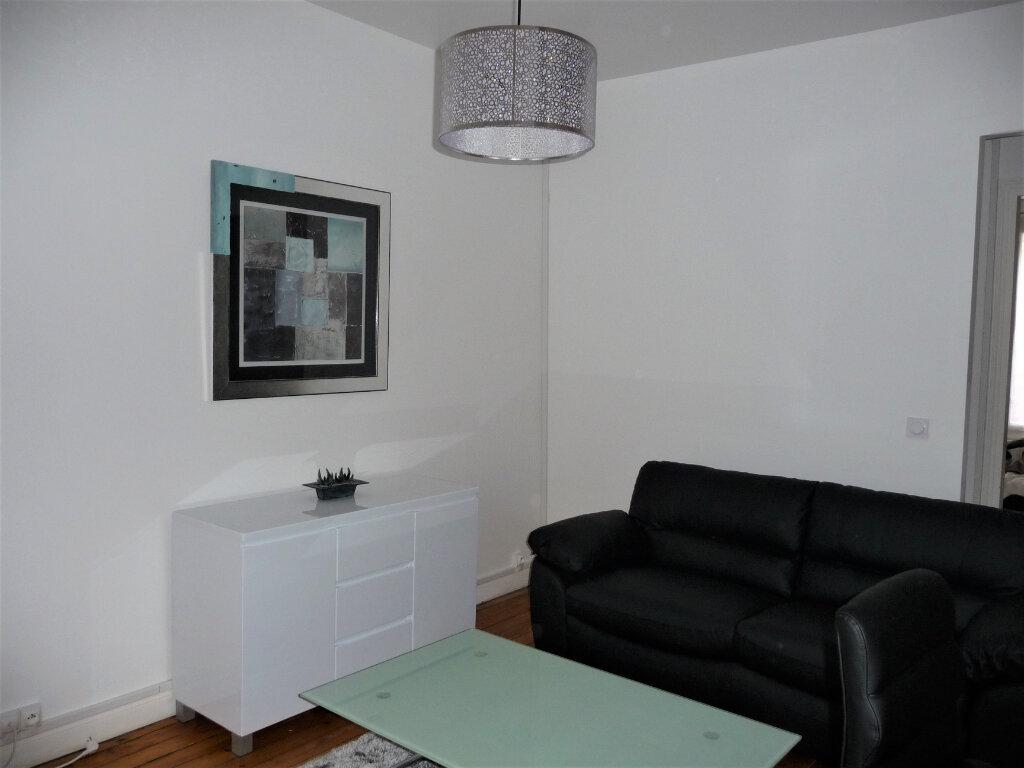 Appartement à louer 2 40m2 à Reims vignette-3
