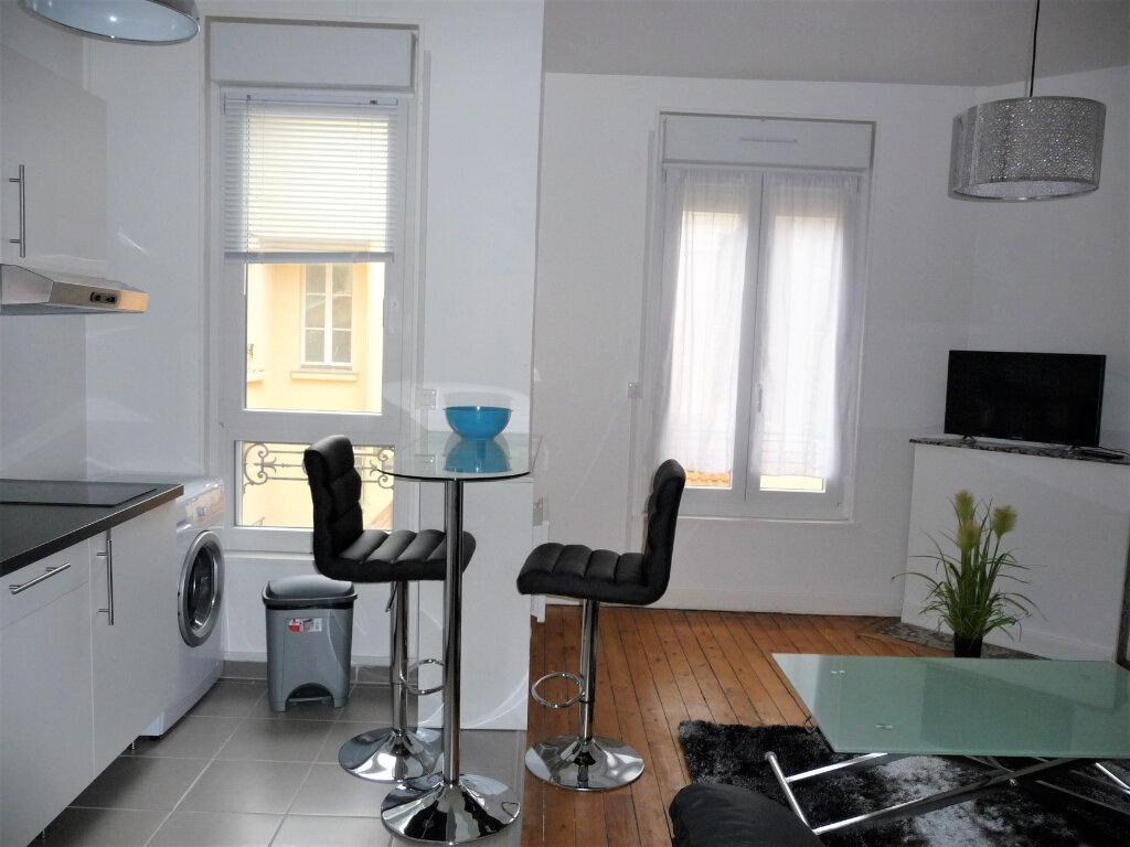 Appartement à louer 2 40m2 à Reims vignette-5