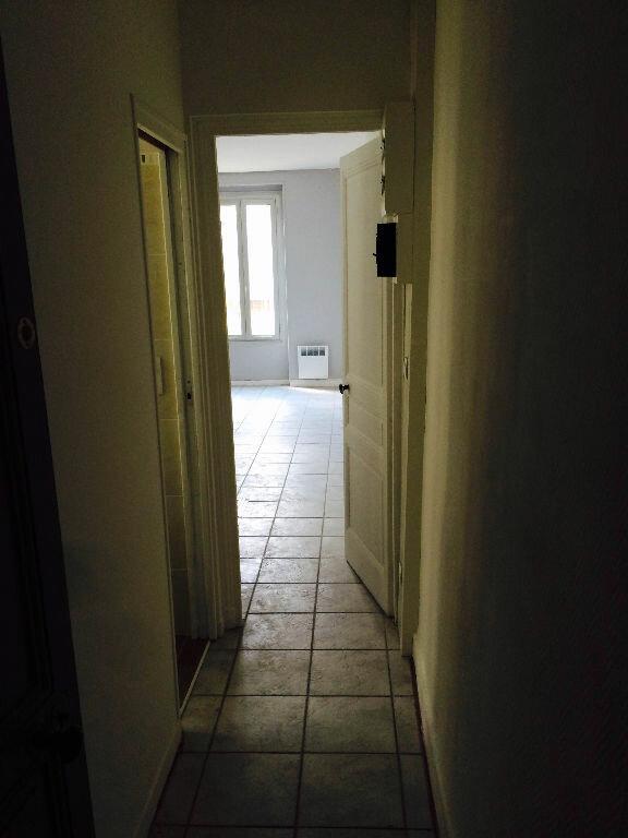 Appartement à louer 1 31m2 à Reims vignette-10