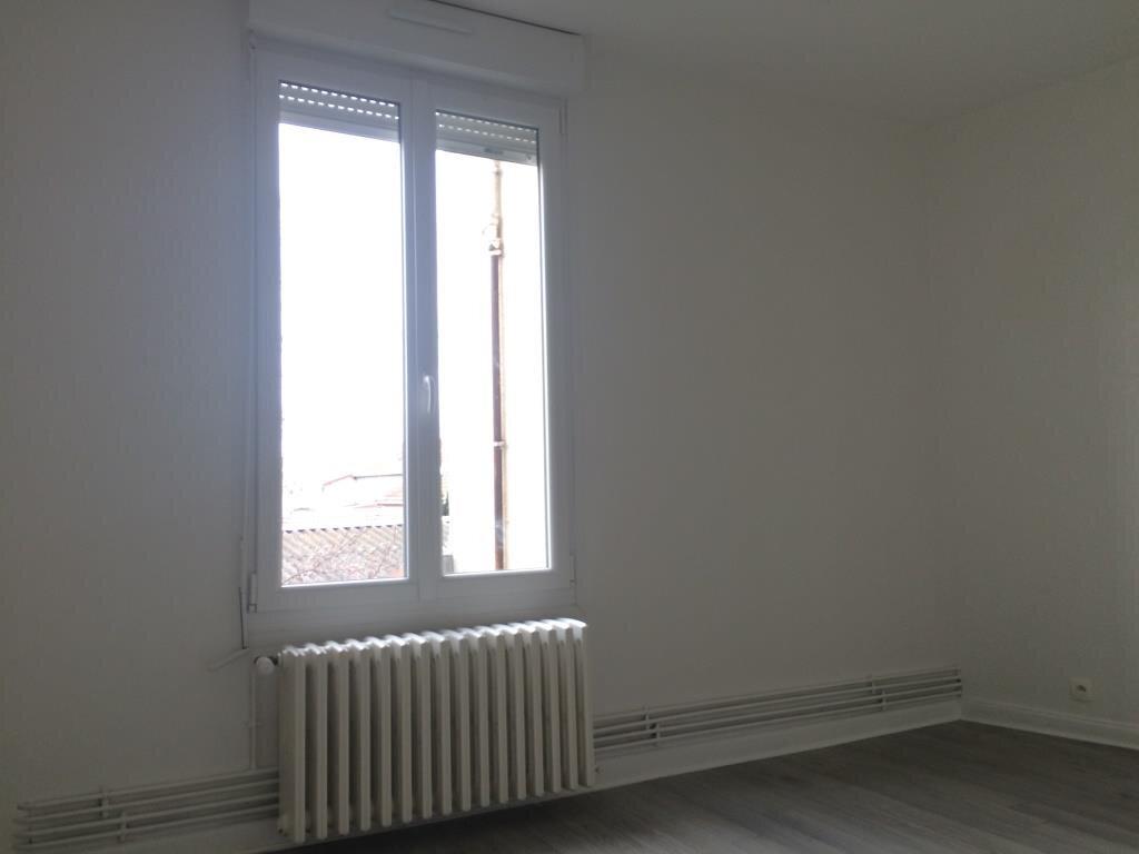 Appartement à louer 3 70m2 à Reims vignette-3