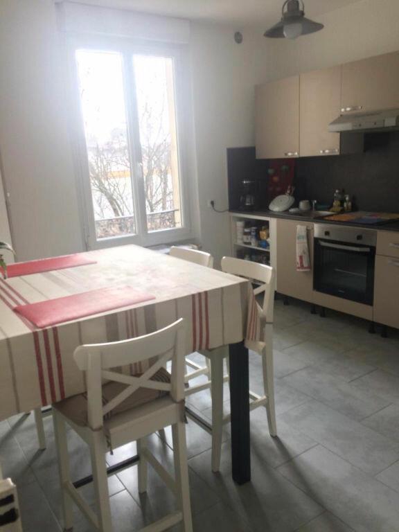 Appartement à louer 3 70m2 à Reims vignette-9