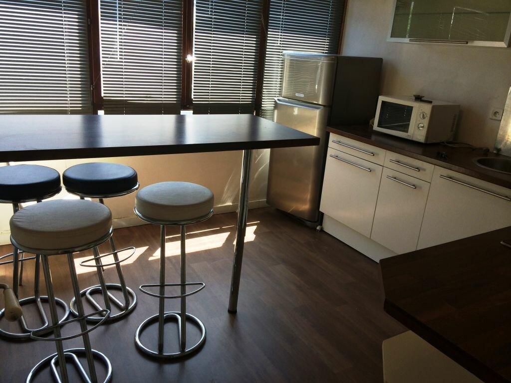Appartement à louer 2 50m2 à Reims vignette-1