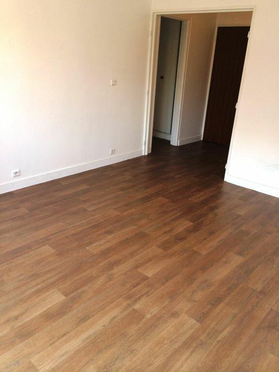 Appartement à louer 2 50m2 à Reims vignette-6