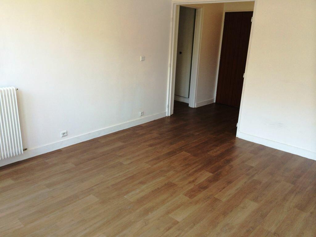 Appartement à louer 2 50m2 à Reims vignette-7