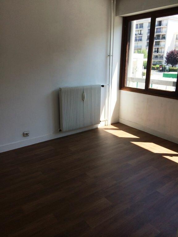 Appartement à louer 2 50m2 à Reims vignette-9