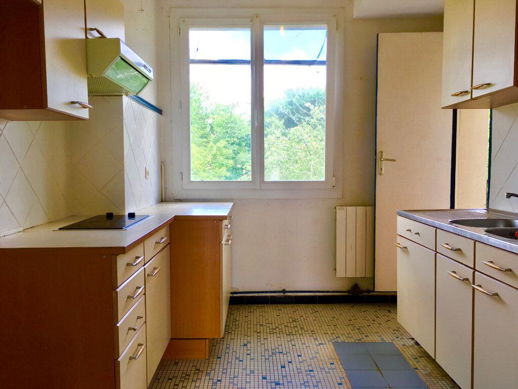 Appartement à louer 4 69.3m2 à Saint-Vincent-de-Tyrosse vignette-4