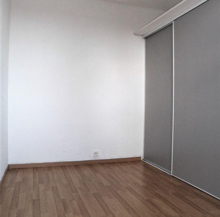 Appartement à louer 4 69.3m2 à Saint-Vincent-de-Tyrosse vignette-7